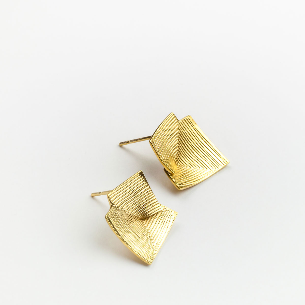 'Lines in Motion' Gold Stud Earrings