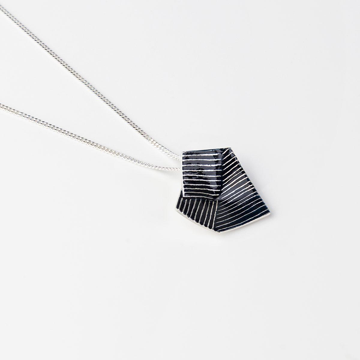 'Lines in Motion' Pendant (Black)