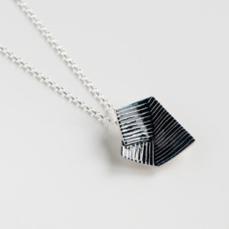 'Lines in Motion' Pendant (Black)