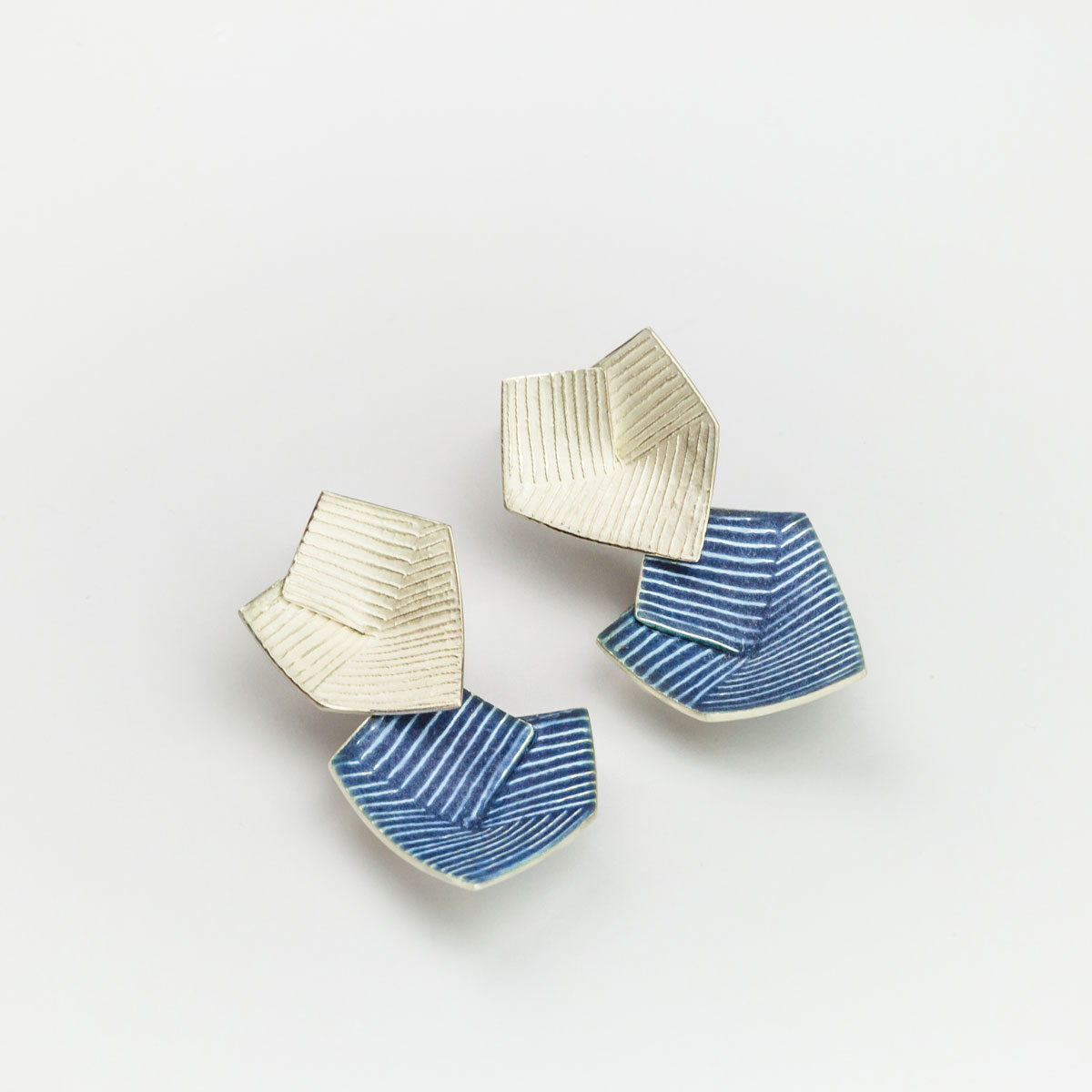 'Lines in Motion' Blue-Grey Drop Earrings