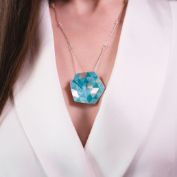 S-WEAVE-Hexagon-Pendant-Large-(Turquoise)-03