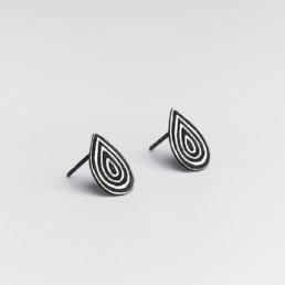 'Lines in Motion' Black Teardrop Stud Earrings