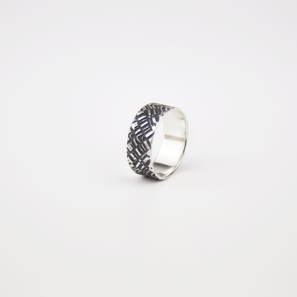 'Weave' Silver and Black Patterned Ring